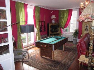 M572881 EN EXCLUSIVITE Apt Duplex F6/7, 253 m², grand jardin attenant - POMPEY Aux 1er et 2ème étages d'une maison de maitre, en état exceptionnel, sans travaux, en bordure de la Moselle, aux espaces plus que généreux, cet appartement n'attend plus que vous, pour y poser vos valises, et y vivre en famille.  Ce bien rare et exceptionnel comporte un immense salon salle à manger de 66m² sans vis à vis,  une cuisine équipée indépendante, 4 suites parentales, une buanderie, le tout desservie par une entrée sublime et son escalier digne d'un château. Un jardin attenant de 250m² viendra sublimer cette ensemble unique et introuvable sur des kilomètres à la ronde.  Si un mot devait être apporté à l'état intérieur et extérieur de ce bien et de la maison entière, ce serait SOMPTUEUX. Les diagnostics ne font apparaitre que des remarques mineures. Le DPE est vierge car les menuiseries changées en 2018, ne permettent pas d'avoir un retour sur les nouvelles consommations, et économies faites.  La petite copropriété, en cours de création, de 4 appartements, et parties communes extérieures clos de murs, arborés, sont garantes de charges faibles.  A seulement quelques kilomètres de Nancy, capitale du Duché de Lorraine et de sa place Stanislas, et à 30 kms de Metz, cet ensemble, sur un terrain d'environ 1460m², est situé à' entrée de l'ancien village de Pompey, proche des commerces, écoles ,transports en commun, gare, et autoroute A31, saura vous apporter une tranquillité, verdure, et une vue imprenable sur la Moselle. Enfin, la maison se trouve à 20 mns de la gare TGV, et 25 mns de l aéroport de Lorraine.  Pour tous renseignements complémentaires, ou découvrir ce bien d'exception, merci de me contacter : Olivier FREMONT au 07.67.29.36.16. Pour plus d'informations Olivier FREMONT, Agent commercial spécialiste du secteur, est à votre entière disposition au 07 67 29 36 16. Honoraires à la charge du vendeur.