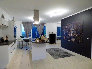 **** SOUS COMPROMIS DE VENTE ****<br>Lumineux appartement à Esch, dans un quartier calme, avec jardin commun, 2 emplacements voiture (intérieur). Au deuxième étage avec ascenseur et d\'une surface habitable de +/- 86,50m2, résidence est construite en 2014/2015.<br><br>L\'appartement en lui-même se compose comme suit :<br><br>- Hall d\'entrée<br>- Living ouvert sur la cuisine équipée<br>- Deux chambres à coucher<br>- Salle de douche<br>- WC séparé<br>- Cave privative<br>- Deux emplacements <br><br>- Buanderie commune <br>- Local poubelle commun<br>- Jardin commun <br><br>Résidence est d\'une construction de haute qualité, d\'une performance énergétique BB incluant triple vitrage avec volet électrique,  Ventilation mécanique/électrique à double flux. (VMC).<br><br>L\'appartement est situé à proximité de toutes commodités (pharmacie, école, crèche, transports publics, autoroute, supermaché...)<br><br>Pour tout complément d'information, n\'hésitez pas à nous contactez par téléphone au 28 77 88 22.<br><br>Nous sommes également disponibles pour organiser les visites le samedi !<br><br>Nous sommes, en permanence, à la recherche de nouveaux biens à vendre (des appartements, des maisons et des terrains à bâtir) pour nos clients acquéreurs.<br><br>N'hésitez pas à nous contacter si vous souhaitez vendre ou échanger votre bien, nous vous ferons une estimation gratuitement.<br><br />Ref agence :115