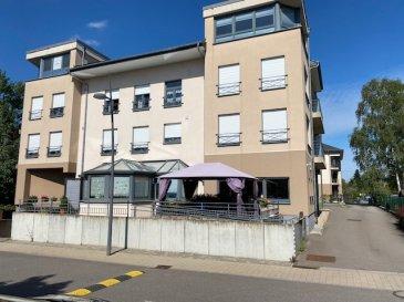 Résidence Sénior +55 ans à Pétange avec service restauration, soins (salon de coiffure, dentiste, médecin, kiné,...), déplacement à côté d'un parc.  Appartement au rez-de-chaussée d'une résidence récente de 2010.  Situé à l'arrière de la Résidence au calme l'appartement de 41 m² est composé comme suit : - 1 Chambre à coucher - 1 Salle de bain - 1 Beau living, cuisine avec accès à la terrasse de 5,62m². - 1 Emplacement de parking à l'intérieur de la Résidence - 1 Cave.  Lumineux et bien agencé avec des finitions de qualités, cet appartement dispose d'un magnifique cadre de vie. L'appartement sera nouvellement meublé avec de nouvelles peintures et un nettoyage complet.  Cette Résidence est exclusivement réservée à des personnes seniors de + de 55ans et disposent de toutes les facilités pour personnes seniors (Repas à domicile, coiffeur, personnel médical à proximité ci besoin).  Loyer :1280€/mois Charges : 120€/mois  Disponible le 1er Décembre 2021 pour un contrat de 1 an minimum.  Pour davantage de renseignements et visites, veuillez contactez Pierre-Laurent Morimont au 691.210.784 ou par e-mail : info@plm-immo.lu