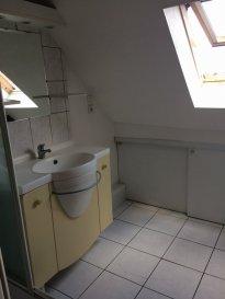 Appartement F2 de 27,53 m² - Cronenbourg. Dans le quartier de Cronenbourg, à proximité des commerces et de l'arrêt de tram Rotonde:  à louer un bel appartement de type F2 de 27,53 m² au 4e étage sans ascenseur. Il comprend une entrée, un séjour, une cuisine équipée, une chambre, une salle de douche et WC. Chauffage individuel au gaz. Disponible au 21 octobre 2018. Surface habitable : 27,53 m². Loyer : 510 €/mois charges comprises dont 85 € de provisions sur charges (régularisation annuelle). Dépôt de garantie : 425 €.<br>Honoraires charge locataire : 336 € TTC (état des lieux compris), dont 84 € TTC pour l\'état des lieux. HEBDING IMMOBILIER : 03 88 23 80 80<br>Loyer 510.00  euros par mois  Charges comprises dont<br>- 85.00  euros de provision sur charges - régularisation annuelle<br> Honoraires charge locataire : 336.00 euros TTC dont 84.00 euros TTC pour état des lieux