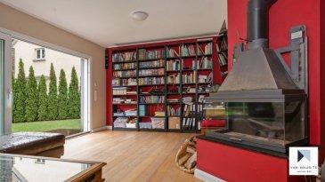 Située à Luxembourg, dans le quartier du Pfaffenthal, au 154, rue Laurent Ménager, cette maison unifamiliale, libre de trois côtés, d'une surface habitable de ± 199 m² se compose comme suit:  Au rez-de-chaussée, une porte coulissante sépare le hall d'entrée ± 4 m² de la cuisine équipée ± 13 m² suivie d'un grand séjour ± 26 m² avec feu ouvert et d'un salon d'hiver ± 23 m² avec accès à un agréable jardin donnant sur la rivière Alzette, orienté sud-est.  L'étage de nuit s'ouvre sur un palier desservant une première chambre ± 21 m² avec salle de bain ± 11 m² en suite, une deuxième chambre ± 12 m² donnant sur terrasse ± 20 m² et une salle de douche ± 5 m². Les deux chambres communiquent via une porte coulissante.  L'étage sous les combles comprend 2 chambres ± 11 m² chacune. Les connections pour y aménager une salle de douche sont présentes.  Le sous-sol comprend un appartement composé d'une chambre ± 18 m², d'un séjour-cuisine ± 25 m², d'une salle de douche ± 5 m² et d'un espace buanderie commun ± 12 m². L'appartement peut se louer 1500€/mois charges incluses.  Un lift pour deux voitures complète l'offre. Possibilité de louer 2 garages fermés complémentaires.  Généralités: - Maison entièrement rénovée en 2013 ; - Triple vitrage, chauffage au sol, nouveau toit en ardoises ; - Le vestiaire au rez-de-chaussée est transformable en wc séparé ; - Le jardin donne sur le parc Laval et dispose d'une entrée accessible depuis la route ; - A proximité (à pied) du Kirchberg et du centre-ville, ascenseur panoramique reliant le Pfaffenthal à la ville-haute, accès Kirchberg par le funiculaire ; - Arrêt de bus scolaire à 200m pour l'école Clausen ; - Ecole européenne de Kirchberg se situe à 5min en voiture.