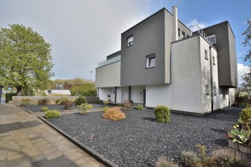 BELARDIMMO vous présente en exclusivité. <br><br>Dans une petite résidence de 3 appartements un splendide duplex de 177 m² . <br><br>Profitez du calme et de la nature qui l\'environne grâce à ses 4 terrasses . Une terrasse de 25 m² vous propose sa pergola couverte bio climatisée . De plus cette résidence possède un fond de réserve pour sa gestion . <br><br>Rez- de- chaussé ( 64,45 m² ) : <br><br>- Hall d\'entrée<br>- 2 chambres avec une terrasse commune<br>- 1 salle de douche<br>- WC séparé<br><br>1er étage : <br><br>- Bar et sa petite terrasse<br>- Séjour<br>- Salle à manger<br>- Cuisine ouverte<br>- Terrasse de 25 m² ( ouverture cuisine et séjour ) <br>- Salle de douche<br>- Chambre et sa terrasse privative<br>- WC séparé<br><br>Niveau - 1 : <br><br>- 2 emplacements couverts en sous - sol <br><br><br>Pour toutes informations ou éventuelle visite contactez Joel PACI au + 352 661 57 25 02