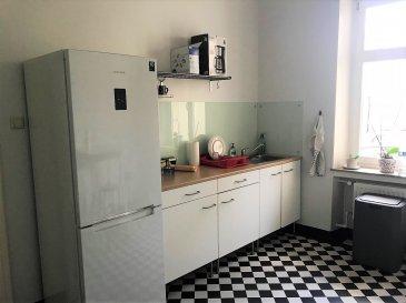 Charmant appartement situé dans le quartier gare en pleine expansion, à proximité des commerces et des transports en commun.   Le bien est agencé comme suit: - Salon et salle à manger communicantes d'une surface respective de 20 et 15 m2 que l'on peut modulé suivant les besoins. -Une chambre d'environ 14 m2 -Une deuxième chambre d'environ 16 m2  - une salle de bain avec baignoire/douche et wc  - une cuisine équipée  -un emplacement extérieur(EN OPTION) ,une grande cave et une mansarde complète le bien.  Possibilité de location courte durée 3 à 6 mois   Pour plus d'informations contacter nous au 00352 661 60 39 59