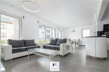 A Nospelt, commune de Kelhen, dans une rue à faible passage, cet appartement, de ± 90 m² habitable, se situe au rez-de-chaussée d'une résidence récente (2016) de 6 unités.   L'appartement se compose comme suit: la porte d'entrée blindée donne sur le hall d'entrée ±6m² avec espace vestiaire, vidéophone et alarme; un lumineux séjour ±28m², orienté sud, avec sa cuisine ±8m² ouverte et de qualité (plan de travail en granit noir, four, lave-vaisselle surélevé, frigidaire, congélateur trois bacs, hotte aspirante, cuisinière à induction et nombreux rangements à disposition).; un palier de nuit ±3m² avec espace dressing, une première chambre ±16m² donnant sur la cour arrière; une deuxième chambre ±15m² donnant sur le jardin; une salle de bain ±8m² avec baignoire, lavabo, sèche-serviette et toilette.  Sur l'avant, une terrasse ±36m² et son jardin gazonné ±41m² clôturé avec portillon; à l'arrière, une cour intérieure ±17m².   Au sous-sol, une cave ±4m²; une place de parking intérieur et une place de parking extérieure ainsi qu'un local vélos commun complète l'offre;  L'appartement se situe au centre du village, dynamique et conviviale, et à proximité des lignes de bus.    Généralités:  Fenêtres triple vitrage, volets électriques, avec fermeture à clés, verre sécurite; Ascenseur jusqu'au sous-sol; Bâtiment de 2016; Local commun pour vélos; Alarme et vidéophone dans l'appartement; Chauffage au sol (gaz); Appartement en excellent état; VMC double flux;  Loyer: 2000-€ Charges: 300-€ (Comprenant tout excepté l'électricité et internet); Garantie bancaire: 2 mois de loyer; Frais d'agence; 1 mois de loyer + TVA 17%; Libre imédiatement; Pas d'animaux acceptés.  Agent responsable: Pierre-Yves Béchet Mobile: +352 621 654 086 Email: Pierre-Yves@vanmaurits.lu