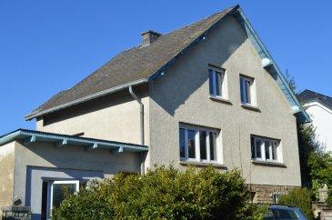 Idéalement située dans une rue calme et résidentielle de Bertrange, cette maison offre un cadre de vie idéale à une famille. Libre de 4 côtés d'environ 200 m2 habitables, 5 chambres à coucher,   INFO : 691 262 919 / 691 384 190 Email : varjavandim@gmail.com / info@immo-aba.lu