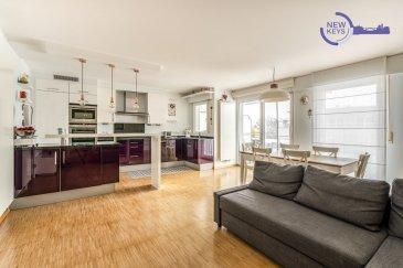 !!!! VENDU !!!!!!  (FR) New Keys vous propose en exclusivité ce superbe appartement 2 chambres situé dans un endroit calme et résidentiel de la commune de Leudelange (domaine Kierchepad).  Au 1er étage avec ascenseur d'un immeuble très bien entretenue (construction 2006), cet appartement lumineux se présente de la manière suivante :  -Hall d'entrée avec débarras -2 Chambres dont une avec accès au 1er balcon ( /' 15m2 et  /'9m2) -Salle de bain avec baignoire, double vasque et évacuation pour la machine à laver -Toilettes séparés -Living spacieux avec accès au 2ième balcon -Cuisine ouverte et équipée (Kichechef)  -2 Balcons ( /' 9m2 et  /'6m2)  Pour compléter ce bien : -Emplacement de parking intérieur privatif avec prise électrique -Cave privative -Buanderie commune  N'hésitez pas à nous contacter au 352 691 216 830 ou par mail smarrocco@newkeys.lu pour plus d'informations et/ou une éventuelle visite.  !!! A VISITER RAPIDEMENT !!!  COVID: Pour votre sécurité, nos visites sont effectuées avec des masques. Les prix s'entendent frais d'agence inclus dans le prix et payable par le vendeur. Nous recherchons en permanence pour la vente et pour la location, des appartements, maisons, terrains à bâtir pour notre clientèle déjà existante. N'hésitez pas à nous contacter si vous avez un bien pour la vente ou la location. Estimation gratuite.   (EN) New Keys suggest you in exclusivity this beautiful 2 bedrooms apartment located in a quiet and residential part of Leudelange (domaine Kierchepad).  On the 1st floor with lift of a very well maintained building (2006 construction), this bright apartment is as follows:  -Entrance hall with storage room -2 bedrooms, one with access to the 1st balcony ( /' 15m2 et  /'9m2) -Bathroom with bath, double sink and drain for the washing machine -Separate toilets -Spacious living room with access to the 2nd balcony -Open and equipped kitchen (Kichechef) -2 Balconies ( /' 9m2 et  /'6m2)  To complete this property: -Private indoor parking space w