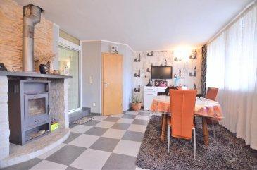 William, RE/MAX Partners ( 621 815 768 ),<br>Spécialiste de l\'immobilier à Dudelange vous présente en exclusivité cette charmante maison rénovée avec gout.<br><br>Elle saura vous séduire par sa double pièce à vivre lumineuse qui s\'ouvre de chaque coté sur une cuisine ouverte toute équipée. Elle est aussi composée d\'une salle d\'eau moderne, de 3 grandes chambres (20 m2), ainsi que de WC indépendant. Une 4ème chambre peut être aménagée au dernière étage. Elle est aussi dotée d\'une terrasse de 30m2 donnant sur un beau jardin sans vis-à-vis.<br><br>Au Sud de Luxembourg, Dudelange est une ville agréable, à proximité piétonne des commerces, écoles et bus. Quartier animé avec de nombreux restaurants, et situé à cinq minutes du transport pour rejoindre Luxembourg ville, vous saurez apprécier son atmosphère.<br />Ref agence :5095864