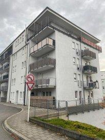 A LOUER  Appartment situé à Esch-sur-Alzette  - Hall d'entrée  - Cuisine équipée  - Salon/Living - Salle de douche  - 1 chambre à coucher  - Terrasse (+/- 20m2)  - Cave  - 1 emplacement intérieur  - Buanderie   Nous vous invitons à nous contacter; Moura Jemp Tèl: +352621216646  Risch Marc +352621210333 Les surfaces et superficies sont indicatives