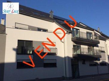 P R I X    T V A    R E C U P E R A B L E   !!! Appartement de 77.89 m2 + balcon de 7.01 m2, avec salon û salle à manger, cuisine entièrement équipée avec table à manger, 2 chambres à coucher, une salle de douche avec toilette, toilette séparé, une cave de 2.51 m2. Possibilité d'acheter un garage fermé de 16.61 m2 avec accès direct à la résidence pour 33.220,-€. Infos : 621 17 60 10  Nouvelle résidence construite en classe BB avec 9 unités d'une à trois chambres, de 53, 21 à 137,45 m2, chauffage au sol, panneaux solaire, ventilation centralisée, cuisines entièrement équipées, peintures, caisson avec spots et led, garages simple et double fermés, accès handicapés.  Disponible de suite.  Ref agence :A9-C2-E2-MAR