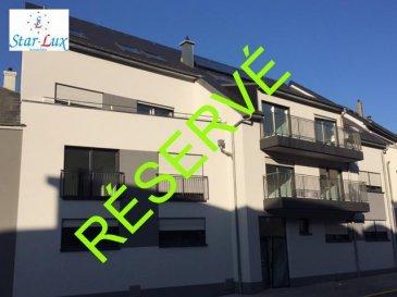 P R I X    T V A    R E C U P E R A B L E   !!!<br>Appartement de 77.89 m2 + balcon de 7.01 m2, avec salon û salle à manger, cuisine entièrement équipée avec table à manger, 2 chambres à coucher, une salle de douche avec toilette, toilette séparé, une cave de 2.51 m2. Possibilité d\'acheter un garage fermé de 16.61 m2 avec accès direct à la résidence pour 33.220,-€.<br>Infos : 621 17 60 10<br><br>Nouvelle résidence construite en classe BB avec 9 unités d\'une à trois chambres, de 53, 21 à 137,45 m2, chauffage au sol, panneaux solaire, ventilation centralisée, cuisines entièrement équipées, peintures, caisson avec spots et led, garages simple et double fermés, accès handicapés.  Disponible de suite. <br />Ref agence :A9-C2-E2-MAR