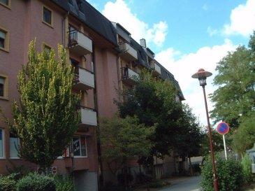 Au centre d'Ettelbruck appartement à 90.56 m2 avec 2 chambres à coucher. Hall d'entrée, placard, cuisine équipée, grand salon avec balcon de 6 m2 ouest. 2 chambres à coucher, salle de bains et un wc. Au sous-sol une cave et un emplacement de PARKING.  Info : tel. 81 88 80 / ms@spielmann.lu