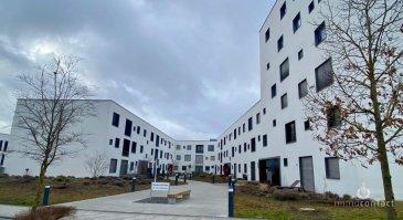 Magnifique  appartement de +/-100m² situé dans le tout nouveau quartier de Belvaux.<br><br>Situé au 1er étage offrant: <br><br>- Hall d\'entrée avec armoire <br>- 3 chambres à coucher avec du parquet dont une avec salle de douche privative<br>- séjour donnant accès au balcon<br>- Cuisine équipée ouverte<br>- Salle de bain<br>- WC Séparé<br>- Cave <br>- Parking intérieur, possibilité d\'avoir un deuxième parking<br><br><br>Possibilité d\'être meublé.<br><br>A Savoir:<br>- Loyer : 2 000€<br>- Charges : 260€ <br>- 3 mois de caution<br>- Disponibilité Septembre 2021<br><br>Pour toutes informations, n\'hésitez pas à nous contacter au 621/75.86.43 ou sur info@immocontact.lu.<br>