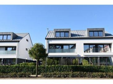 !!!!! Maison exceptionnelle situées à Alzingen !!!!!!          Cette maison offre un cadre de vie très cosy,                chaleureux, intime et tranquille.   Maison récente (2017) avec aménagement intérieur haut de gamme d'une superficie total de 345m2 (215m2 habitable). La maison est érigée sur un terrain de 3.65 ares et située au bout d'une impasse et proche de toutes commodités et transport :  La maison de classe énergétique AB est dans un état impeccable. Elle est équipée de vitres triple vitrage, d'un chauffage (pompe à chaleur) par le sol dans toutes les pièces (la température de chaque pièce pouvant être réglée indépendamment) ainsi que d'une ventilation double flux et d'un feu à bois.  Parquet semi-massif dans toutes les pièces, à l'exception de l'espace cuisine, des salles de bain et de la toilette séparée.  La maison se compose comme suit :  Rez de chaussée - Grand séjour avec cuisine ouverte d'une superficie de 51 m2, incluant l'espace salle à manger, un feu à bois ainsi que des rangements intégrés. Grandes baies vitrées donnant sur la terrasse (27.6m2) et le jardin ( - 80m2) ; - Cuisine entièrement équipée avec des électroménagers Siemens (four, four à vapeur, chauffe-plat, plaque à induction, lave-vaisselle, réfrigérateur et congélateur), cave à vin Liebherr, hotte plafonnier Novy, plan de travail en pierre naturelle (granit) ; - Hall d'entrée ; - Toilette séparée ; - Garage.  1er étage - 3 chambres à coucher (14.1m2, 16.8m2 et 21.7m2) avec chacune une baie vitrée donnant sur un balcon ; - 2 salles de bain, dont une avec baignoire ;  2ème étage - 2 chambres à coucher (18.4m2 et 22.9m2), dont une équipée de rangements intégrés ; - Une salle de douche spacieuse (9.6 m2) avec double vasque et douche « cascade » ; - Un bureau (7.2 m2)  Sous-sol - Spacieuse buanderie de 22m2 ; - Grand local technique de 15m2 ; - 1 cave de 7.3m2 - 1 grande pièce de 33m2 équipée d?arrivées multimédia (internet / télévision)  - Supermarché à 5 minutes à pied ; - Centre et par
