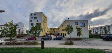 Belval-Nord  Sublime Appartement :  Rez-de-chaussée:  - Hall d'entrée  - Cuisine équipée / Séjour  - Terrasse avec jardin (+/- 52m2) - 2 chambres à coucher - 1 salles de douche - Wc séparé   - Cave - 1 emplacement intérieur  Nous vous invitons à nous rendre visite ou contacter l'un de nos commerciaux pour plus d'informations.  M. Moura Jemp  +352621216646  M. Marc Risch  +352621210333  Les surfaces et superficies sont indicatives  Rejoignez-nous sur Facebook : Newjomar Belval