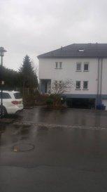 Fisimmo, votre spécialiste dans l'immobilier à Bergem, vous propose cette maison de +/- 245 m2 libre de 3 côtés situé dans un quartier très calme à Bertrange. Set maison dispose de 3 grandes chambres à coucher, de 3 salles de bain, une grande buanderie, un dressing, 2 parking Ext, un garage pour 3 voitures, une terrasse de +/- 20 m2 et une piscine 8mx4m.  N'hésitez pas à nous contacter pour plus de renseignements +352 621 278 925
