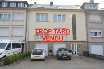 L'agence IMMOLORENA de Pétange a choisi pour vous un duplex à Bereldange de 215 m2 au deuxième étage , à proximité des commerces, transports en commun et toutes commodités, il se compose comme suit:  Premier niveau 131 m2:  - Un hall d'entrée de 12,92 m2 - Une cuisine de 14,65 m2 - Couloir de 12,34 m2 - Un salon de 22,10 m2 - Une chambre de 17,20 m2 - Une deuxième chambre de 15,45 m2 avec un dressing de 8,23 m2 - Une troisième chambre de 21,55 m2 - Une salle de bain de 5,86 m2  Deuxième niveau 73 m2:  - Une cuisine de 13 m2 - Salon ouvert de +50 m2  - Une salle de bains de 10,70 m2 - une chambre de 9 m2    La toiture a été complètement rénovée en 2017    Le Duplex possède également d'un garage fermer de 21,20 m2 plus un emplacement extérieur. Jardin commun   A VOIR ABSOLUMENT!!!!  Pour tout contact: Joanna RICKAL: 621 36 56 40  Vitor Pires: 691 761 110  Kevin Dos Santos: 691 318 013  L'agence Immo Lorena est à votre disposition pour toutes vos recherches ainsi que pour vos transactions LOCATIONS ET VENTES au Luxembourg, en France et en Belgique. Nous sommes également ouverts les samedis de 10h à 19h sans interruption.