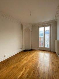 3 pièces - 46.77 m2.  Appartement trois pièces situé au deuxième étage d\'un immeuble rue de Vic à Nancy. Il comprend une entrée, une cuisine séparée, deux chambres, une salle de bain avec wc.<br> Disponible Janvier 2021.<br> Chauffage individuel au gaz.<br><br>