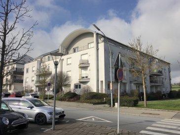 Bel Appartement à 2 chambres à coucher situé au 2ème étage d'un immeuble résidentiel à l'architecture moderne et datant de 2000. L'immeuble est situé à l'angle de la rue de Cessange et du Chemin de Roedgen. L'appartement dispose d'un débarras dans l'appartement même, d'un balcon de +/- 5 m², d'une cave et d'un parking intérieur. Possibilité d'installer le lave-linge et sèche-linge dans la salle de bains !  Disponibilité : Immédiate ! N.B. Les animaux domestiques ne sont pas acceptés par le propriétaire !  - A 5 minutes du Centre de Luxembourg-Ville - A 2 minutes de la