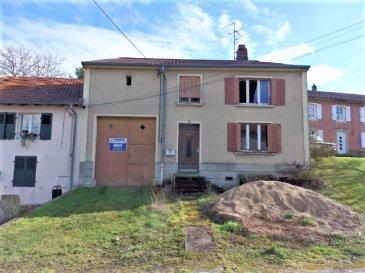 EN EXLUSIVITE POUR PARTICULIERS OU INVESTISSEURS  Situé à KEMPLICH (57920), soit à 22 kms de Thionville et 30 minutes seulement de la frontière du Luxembourg  à SCHENGEN , une maison avec grange et dépendances à rénover entièrement. Dans son état actuel, elle offre une surface habitable de 124 m2 environ comprenant En rez-de-chaussée : Un couloir d'entrée de 18,11 m2 Un séjour de 18 m2, une pièce à vivre de 18,43 m2 Une cuisine de 11 m2 A l'étage : Trois chambres de 18 – 17 et 9 m2 avec dressing de 5 m2. Avec aussi une grange/garage de 30 m2 environ, des anciennes étables ou écurie et dépendances. *** La toiture sera refaite.  Des travaux importants sont à prévoir.  Disponible de suite.  CONTACT : Jean-Luc Meyer, Agent commercial au 07 60 13 78 96 Les frais d'agence sont compris dans le prix annoncé.