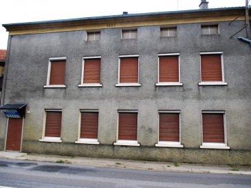 MOUZAY, Maison d\'habitation  - Une maison à usage d\'habitation  comprenant : - au rez-de-chaussée : entrée, salle de bains, salle à manger, grande pièce derrière, W.C., débarras ; - à l\'étage : deux chambres, salle de bains-W.C. ; Grenier contigu. Grand grenier au-dessus. Chauffage électrique. Jardin séparé avec garage . Le tout sur une superficie de 06a 58ca 48 000,00 euros  ( frais de négociation charge vendeur)  - Réf MOUGOD