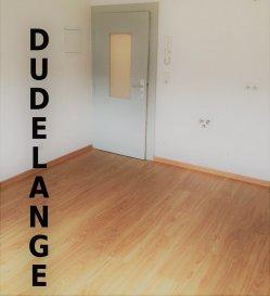 DUDELANGE-CENTRE A LOUER BUREAU INDÉPENDANT AU CALME - boite aux lettre privative - sonnette - fenêtre - wc  Commission d'agence 1 mois de loyer payer par le propriétaire