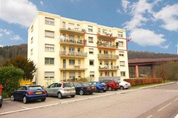 Joli Appartement sis au 4ème étage d'une résidence à 15 unités.   L'appartement se compose comme suit:  - Un hall d'entrée avec vestiaire et WC séparé - Un séjour et une cuisine séparée donnant accès sur un grand balcon orienté plein sud - Deux chambres à coucher et une salle de bains.  Au niveau rez-de-chaussée se trouve le garage et une cave.  Avis aux investisseurs: Actuellement l'appartement est loué, et le bail peut être repris.  La résidence se situe à proximité de toutes commodités Ref agence :ICL 861539