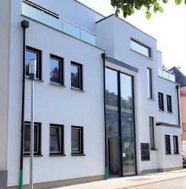 Première Occupation !   Dalpa SA vous propose à louer, un appartement en phase de finition de 1 chambre à coucher sur environ +/- 60 m² habitables et 31 m² de terrasse au RDCH, situé à Esch-sur-Alzette.   Année de construction : 2020  Disponibilité : 15 octobre 2020   L'objet se situe au : Rue Burgronn, L-4039   Au sous-sol deux emplacements de parking complètent ce bien.   Cette nouvelle résidence composée de 7 lots se situe dans un quartier résidentiel prestigieux et surtout calme, idéal pour le bienêtre des jeunes familles garantissant une qualité de vie considérable.    Nous sommes à votre entière disposition pour tous renseignements complémentaires ou visites des lieux. Veuillez contacter Antonio Lobefaro sous le numéro + 352 621 469 311 ou par mail sur info@dalpa.lu   Si vous souhaitez vendre ou louer votre bien, nous mettons à votre disposition notre professionnalisme, savoir-faire ainsi que notre qualité de service. Nous vous proposons des estimations rapides, gratuites et réalistes.  ENGLISH VERSION  First Occupation !  Dalpa SA offers you for rent, a magnificent one bedroom apartment in the finishing phase, of 2 bedrooms on approximately 60 m² of living space and 31 m² of terrace on the ground floor, located in Esch-sur-Alzette.  Year of construction : 2020  Availability : 15th of October 2020  The object is located at : Rue Burgronn, L-4039  In the underground two parking spaces complete this property.  This new residence composed of 7 lots is located in a prestigious and above all quiet residential area, ideal for the well-being of young families guaranteeing a considerable quality of life.  We are at your disposal for any further information or site visits. Please contact Antonio Lobefaro under the following number + 352 621 469 311 or by mail on info@dalpa.lu  If you want to sell or rent your property, we put at your disposal our professionalism, know-how and our quality of service. We offer you quick, free and realistic estimates.