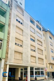 Esch/Centre,; - Studio, situé au premier étage avec ascenseur.  D\'une surface de 34.9 m2, 3 pièces, complétement remis à neuf,  très lumineux.  Disponible d\'immédiat. Objet intéressant pour investisseur. Les honoraires d\'agence sont entièrement à charge du vendeur. Ref agence : EACVZB39-1