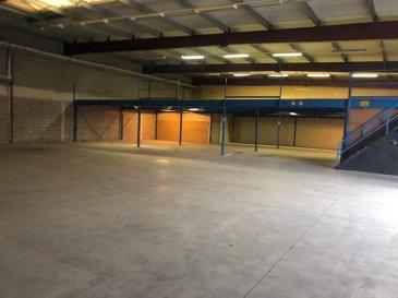 DALPA S.A. vous propose en location, ce spacieux entrepôt avec des bureaux, et plusieurs possibilités de devisions, sur une surface totale de +/- 875 m².   Disponibilité : immédiate   Caution : 3 mois  L'objet se situe au : 50, rue des Près, L-7333 Steinsel  Le prix du loyer est annoncé HTVA.   Cet entrepôt se situe dans la zone industrielle de Steinsel et est idéalement situé au centre du pays à proximité de : -Accès autoroutiers  -Proche du centre-ville +/- 10km -Arrêts de bus à proximité  Plusieurs places de parkings sont disponibles gratuitement au pied de l'immeuble.   Nous sommes à votre entière disposition pour tous renseignements complémentaires ou visites des lieux. Veuillez contacter Antonio Lobefaro sous le numéro + 352 621 469 311 ou par mail sur info@dalpa.lu   Si vous souhaitez vendre ou louer votre bien, nous mettons à votre disposition notre professionnalisme, savoir-faire ainsi que notre qualité de service. Nous vous proposons des estimations rapides, gratuites et réalistes.  DALPA S.A. offers you for rent, this spacious warehouse with offices, and several possibilities of devisions, on a total surface of +/- 875 m².  Availability: immediate  Deposit: 3 months  The object is located : 50, rue des Près, L-7333 Steinsel  The rental price is announced excluding VAT.  This warehouse is located in the industrial area of Steinsel and is ideally located in the center of the country near:  - Motorway access - Close to the city center +/- 10km - Bus stops nearby  Several parking spaces are available for free at the foot of the building.  We are at your entire disposal for any further information or site visits. Please contact Antonio Lobefaro under the number + 352 621 469 311 or by email on info@dalpa.lu  If you want to sell or rent your property, we provide you with our professionalism, know-how and our quality of service. We offer you fast, free and realistic estimates.