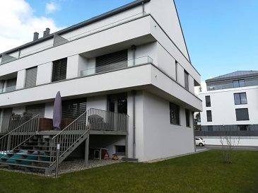 Maison de 330m2 à louer, 3 côtés libres. Disponible à partir de 1er janvier 2021 Adresse: 1, rue Joséphine Jacquemart-Jaans, L-8096 Bertrange.  Rez de chaussée 80 m2: hall d'entrée, WC séparé, salle à manger, cuisine ouverte, living, accès à la terrasse et au jardin.  1er étage 80 m2: hall de nuit, 4 chambres, salle de bain, salle de douche, WC séparé, 2 balcons.  2e étage 80 m2: hall de nuit, suite parentale avec dressing et accès à la terrasse, salle de bain, WC séparé, chambre à coucher.  3e étage 80 m2: une grande chambre +salle de bain avec WC. Sous-sol : garage 4 voitures, caves, buanderie, chaufferie.  Jardin 2ares.  2 places de parking extérieures.