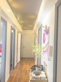 OFFRE RARE  METZ QUEULEU: Dans rue calme en sens unique à quelque minutes de la ville et de la gare.  Au sein d'un immeuble bourgeois, superbe appartement F4 de 94 m2 avec terrasse à l'arrière de 50m2 et une cour de 15m2. Rénové entièrement alliant le moderne à l'ancien.  Entrée, cuisine équipée et intégrée accès terrasse, salon-séjour avec parquet et hauteurs sous plafond ainsi qu'un accès cour, 2 chambres, salle de bains (baignoire et douche), wc séparé. Une cave. Chauffage individuel au gaz . DPE en cours   Petite copropriété de 4 appartements. Pas de travaux à prévoir. Charges mensuelle 150€ (chauffage, eau, communs)  Prix de vente: 245 000 € dont 3.82 % d'honoraires  IMMOGEST 13 RUE DU STADE 57155 MARLY  07.89.05.45.27 (m.marsicano) 03.87.57.19.33