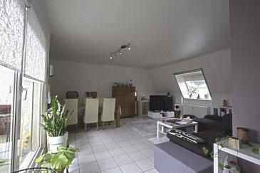 RE/MAX spécialiste de l\'immobilier à Dudelange vous propose à la vente bel appartement au 4ième et dernier étage d\'une belle résidence au centre de Niederkorn. L\'appartement se compose comme suit: hall d\'entrée, salle de bains avec baignoire et WC, 1 chambre à coucher, grande pièce de vie, cuisine équipée ouverte. Petite terrasse avec belle vue et sans vis-à-vis.  L\'immeuble comprenant 9 unités a été construit en 1994 et dispose d\'un ascenseur, buanderie commune.  A ce bien s\'ajoute un garage avec accès direct à l\'immeuble ainsi qu\'une cave privative.  Les charges s\'élève à 210.- euros Situation idéal au cœur de Niederkorn (commerces de proximité, boulangerie, pharmacie, hôpital, école etc..)   Les frais d\'agence sont à charge du vendeur.  Personne de Contact:  Sonia Da GRACA  Tel: 661 458 188 mail: sonia.dagraca@remax.lu Ref agence : 5096442