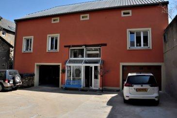 Rare dans la région à la frontière Luxembourgeoise, Belardimmo Mondorf-les-Bains vous propose un corps de ferme totalement restauré, nous pouvons découvrir:<br><br>RDC<br>- Hall d\'entrée<br>- WC séparé<br>- Buanderie<br>- Accès 2 garages 3 voitures ( 65m² et 45m²)<br>- Accès cave voûtée de 80m² du 17eme siècle<br>- Accès terrasse extérieur 200m²<br><br>Au 1er étage<br>- Salon/séjour<br>- Cuisine fermée avec terrasse couverte<br>- Salle de douche<br>- Salle de bain privative dans une grande chambre<br>- 3 chambres<br>- Un WC séparé<br><br>Au 2e étage<br><br>Grenier aménageable de 180m²<br><br>Pour plus d\'informations veuillez téléphoner +352 661 57 25 02.