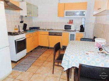 HOUSE FOR YOU, vous propose une maison mitoyenne d'environ 210m2 située à Differdange pour le prix de 429.000€  Maison avec entrée et cour commune déservant 3 maisons et accès aux jardins.   Rez-de-chaussée d'environ 68m2 avec entrée séparée et en location jusqu'à fin juillet 2019.  - Hall d'entrée - Cuisine équipée - Living - 1 chambre à coucher - Salle de bain - Buanderie   1er étage d'environ 80m2:  - Hall d'entrée - Cuisine équipée - Living - 1 chambre à coucher - Buanderie/Débarras - Salle de bain - Terrasse - Jardin de 2,67 ares  2ème étage d'environ 57m2:  - Hall de nuit - 3 Chambres à coucher dont 2 en enfilade - Salle de bain - Débarras  La maison comprend encore un grenier pour rangement et une cave  Informations:  - Toiture 8 ans - Compteur gaz et conduits 5 ans - Compteur Électrique neuf - Chaudière (en fonctionnement mais à changer)  - Travaux de rafraîchissement à prévoir - Dalle en bois sur 3 pièces et couloir au 1er étage - Dalle en béton au rdch, 2ème étage et agrandissement au 1er étage