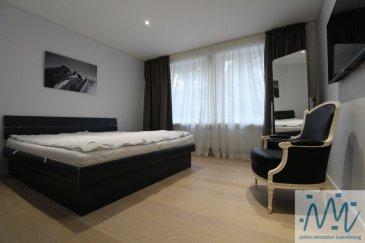 ''active relocation luxembourg'' vous propose un superbe appartement meublé de 84m² situé au 2ème étage (avec accès direct par ascenseur) d'un immeuble rénové de manière contemporaine tout en respectant le charme et l'authenticité d'origine.  Cet appartement comprend un hall d'entrée avec placard, un beau et lumineux living, une cuisine équipée séparée avec accès vers la terrasse située au calme à l'arrière de l'immeuble, 1 chambre avec dressing aménagé attenant, 1 chambre avec petit débarras, une salle de douche avec un WC et machine à laver et sèche-linge, un WC séparé. Au sous-sol: une petite cave  Loyer: 3.000 € + 250 € charges  - rénové de manière contemporaine tout en gardant l'authenticité et le charme d'origine - ancien escalier en colimaçon, - Plein centre-ville dans la zone piétonne - théâtre, piscine, restaurants, bars, commerces, supermarché, boulangerie au pied de l'immeuble - parking public, arrêts de bus et parcs à proximité  Si vous pensez vendre ou louer votre bien, ''active relocation luxembourg'' est à votre service pour vous conseiller au mieux et vous faire profiter de toutes ses compétences en vue de commercialiser votre bien de manière professionnelle et rapide.  +352 270 485 005 info@arlux.lu www.arluximmo.lu