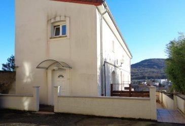 Entrée indépendante pour cet appartement récent en duplex de type F3 de 61.36m² habitables. Au rez de chaussée : une pièce de vie avec cuisine équipée accès à la terrasse extérieure (réalisée par un artisan sur mesure), à l\'étage : un couloir dessert 2 pièces (12 et 15m²) et une salle de bains avec toilettes. Double vitrage PVC, chauffage individuel au GAZ, adoucisseur d\'eau (2017). Une cave est également vendue avec le bien. <br />Pour toutes informations complémentaires, n\'hésitez pas à contacter l\'agence au 03.87.40.55.55.