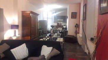 Proche place Duroc.  Dans immeuble bourgeois, bel appartement F 4 de 87 m2 situé au 1 er étage et entièrement rénové. Loué actuellement 7200 euros l'an