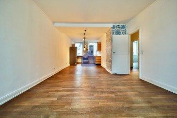 ***Ralph MEYER - 621 613 176 *** *REMICH* A quelques pas de la Moselle - Charmant appartement à l'ancienne.  immohub, votre partenaire dans l'immobilier à Remich, vous propose un appartement A-typique faisant +/- 78 m2, au deuxième étage d'une petite résidence sise directement sur l'esplanade. L'appartement avec une hauteur sous plafond de 2,67m se présente comme suit: -Hall d'entrée 6,051 m2 avec 2 débarras (0,70 m2 + 0,57 m2) -Living, salle à manger et cuisine équipée ouverte 37,60 m2 -Chambre I 14,00 m2 -Chambre II 11,90 m2 -Salle de bain 6,85 m2 (baignoire,WC, lavabo simple, raccords pour machine à laver)  Détails: Chauffage urbain  Double vitrage /Chassis en PVC/ hauteur sous plafond donnant beaucoup de luminosité Parquet massif CPE : I/I