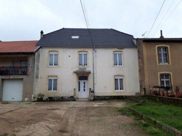 A SAISIR – PROXIMITE DU LUXEMBOURG   Nous VENDONS à METRICH, commune de KOENIGSMACKER (57970), non loin de la frontière du Luxembourgeoise,  une très belle maison de caractère, mitoyenne des deux côtés.  Etablie sur un terrain clos de 4a42, elle offre une surface habitable de 177 m2 en plain-pied et étage comprenant notamment :  En plain-pied : Une vaste entrée de 17 m2, Une cuisine récemment aménagée et équipée de 15,65 m2 Un séjour de 13 m2 entièrement ouvert sur un très beau salon de 24,71 m2 avec sa cheminée à insert. Une salle d\'eau de 5 m2 Une première chambre de 18,97 m2  A l\'étage : Quatre autres chambres de 16,04 – 12,86 et 19,96 m2 et 18 m2, ainsi qu\'un espace bureau.  Avec aussi : Un garage pour deux voitures et une moto, porte motorisée. Une petite dépendance attenante avec sa cuisine d\'été de 17 m2 donnant sur une terrasse bétonnée en cours d\'achèvement (cf photographie).  *** Toiture neuve de 2014 *** Double vitrage sur châssis PVC de 2014 *** Porte d\'entrée PVC avec cinq points de sécurité. *** Chauffage central au gaz de ville *** Cheminée à insert *** Installation électrique refaite.  LE BIEN EST IMMEDIATEMENT DISPONIBLE  CONTACT :  Gérard STOULIG – Agent commercial au : 06 03 40 33 55 ou l\'agence au : 03 87 36 12 24.