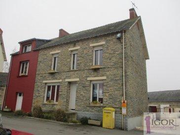 Maison à rénover Jans. Dans le bourg de Jans maison avec un grand potentiel, proche de toutes commodités, une maison d\'environ 200 m². Au rez de chaussée, une pièce à vivre spacieuse, deux chambres. A l\'étage, quatre chambres, une salle de bains. Au dernier étage, un grenier aménageable. Au sous-sol, une cave de 64 m². Un garage attenant avec une pièce de 32 m² au-dessus, et deux autres chambres. Le tout sur une parcelle de 225 m². Possibilité de se raccorder au tout-à-l\'égout. Ouverture en Bois simple vitrage et PVC double vitrage.<br/>Contact : Igor<br/>Tél : 02 40 55 39 68<br/>DPE  Vierge dont 7.50 % honoraires TTC à la charge de l\'acquéreur.