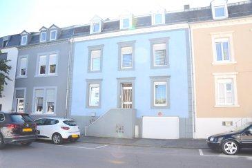 L'agence IMMOLORENA Lux sarl de PETANGE a choisi pour vous une maison mitoyenne de 185 m2 habitables, insérée sur un terrain de 1,90 ares, située à DUDELANGE, à proximité de toutes commodités, commerces, écoles, etc.  La maison se compose comme suit:  - Un hall d'entrée de 10 m2 donnant accès à la terrasse plein sud de 50 m2 - Un double living de 34.14 m2 - Une cuisine séparée toute équipée  de 14 m2 - Un Wc séparé de 3,10 m2  Première étage:  - Hall de nuit de 14,75 m2 - Trois magnifiques chambres de 15,09 m2, 16,60 m2 et 10 m2 - Une salle de bain avec baignoire de 7,36 m2  Deuxième étage: Le deuxième étage est complètement aménagé en appartement de deux chambres, et se compose comme suit: - Un hall d'entrée de 4,57 m2 - Une cuisine toute équipée ouverte vers la pièce à vivre de 16 m2 - Une chambre plus dressing de 15 m2 - Deuxième chambre de 14,64 m2 - Salle de douche avec toilettes de 7 m2  Cave:  La maison possède également d'une cave avec un atelier de 13 m2 donnant accès à la terrasse, ainsi qu'une buanderie de 19 m2 et d'un garage de 25 m2.   -TOUTES les dalles sont en béton - Electricité refaite en 2008 - Fenêtres double vitrage   3% du prix de vente à la charge de la partie venderesse + 17% TVA Pas de frais pour le futur acquéreur   Pour tout contact: Joanna RICKAL: 621 36 56 40 Vitor Pires: 691 761 110 Kevin Dos Santos: 691 318 013  L'agence Immo Lorena est à votre disposition pour toutes vos recherches ainsi que pour vos transactions LOCATIONS ET VENTES au Luxembourg, en France et en Belgique. Nous sommes également ouverts les samedis de 10h à 19h sans interruption.