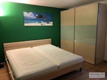 Très belle chambre meublée à louer en colocation, espaces biens éclairés, d\'une surface utile totale de 25 m2 composée d\'un lit (220 cm), une armoire-penderie, bureau/chaise, wifi, terrasse et jardin.<br><br>Chambre à coucher <br>Salle de bain privée et meublée avec douche/lavabo/WC/bidet<br>Cuisine équipée et zone repas partagée<br>Coin lounge<br>Parking extérieur<br>Terrasse<br>Jardin<br><br>Prestations :<br>Chauffage au gaz<br>Machine à laver/séchoir<br>Jacuzzi et sauna (moyennant 39,- EUR de l\'heure par personne)<br><br>Deux formules de location sont possibles, comme suit:<br><br>1) Loyer: 950,- EUR TTC et TCC pour une seule personne / Caution: 1900,- EUR, et 1230,- EUR (avec services) / Caution: 2460,- EUR<br><br>2) Loyer: 1200,- EUR TTC et TCC pour un couple / Caution: 2400,- EUR, et 1480,- EUR (avec services) / Caution: 2960,- EUR<br><br>Caution: Si le(s) locataire(s) n\'a pas/n\'ont pas de CDI de 12 mois ou plus, trois mois de caution seront demandés<br>au lieu de deux, et avec un garant.<br><br>Disponibilité: IMMÉDIATE !!!!<br><br>Merci d\'avance pour l\'intérêt que vous portez à cet objet et à nos services.<br><br>Appelez nous pour une visite on vous le fera découvrir. Veuillez, s.v.p., respecter les ordres sanitaires actuelles (Covid19 oblige). Merci d\'avance.<br><br>Nous sommes aussi disponibles pour visites le samedi selon la disponibilité des propriétaires.<br><br>Pour d\'autres annonces non présentés sur ce site, visitez www.immocasa.lu<br><br>Nous recherchons en permanence pour la vente et pour la location des appartements, maisons, terrains à bâtir et projets autorisés pour clientèle existante. Achat éventuel par notre société.<br><br>N\'hésitez pas à nous contacter si vous avez un bien ou plusieurs pour la vente.<br><br>Nos estimations sont gratuites.<br><br>Cet objet se situe géographiquement dans un environnement calme, très bonne mobilité (autoroute A7 à proximité), bus et train ( /- 800 m), écoles, lycées, surfaces commerciales, complexes s