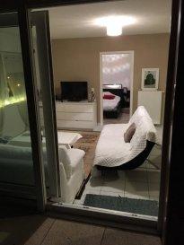 a louer  très beau 2 de 50 m² avec terrasse  situé au 4ème et dernier étage du nouveau quartier du ruisseau à Woippy.  l'appartement est composé d'une cuisine entièrement équipée* ouverte sur un grand séjour, une salle de bain entièrement carrelée avec baignoire, une chambre spacieuse et une belle terrasse de 18 m².  contact au 06 85 13 13 57