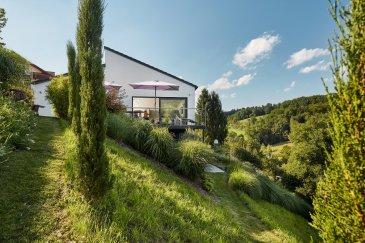 NEUES PROJEKT IN MONDORF-LES-BAINS !  Sehr schönes, ruhig gelegenes Grundstück in Mondorf-Les-Bains mit Top-Aussicht. Das Grundstück bietet mit seinen 14,68 ares viel Platz für eine großzügige Villa mit großem Garten.   Es besteht die Möglichkeit die Planung des Hauses mitzugestalten!   Dieses Grundstück eignet sich ideal für ein freistehendes Einfamilienhaus.  -Wohnfläche:250 m² -Anzahl der Schlafzimmer:5 -       Keller:   Ja     LUXHAUS. Die Nr. 1 in der Climatic-Wand-Technologie. 100% Wohlfühlklima 100% Design Wir freuen uns auf Ihren Besuch.