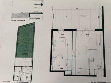 PROGRAMME NEUF A HERSERANGE  Dans un environnement calme, proche commodités  Un appartement T2 de 43.10m² avec une place de parking se composant ainsi :  En RDC: entrée (4.18m²), une chambre (11.36m²), Salle d'eau avec w-c (4.85m²), séjour/cuisine (22.71m²) une terrasse (25.43m²) et un jardin (104.8m²)  TVA 5.5% selon revenus  Livraison prévue au 4èmeTrimestre 2023.
