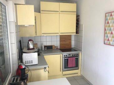 A Luxembourg-Bonnevoie, appartement situé au 3ème étage d'une résidence avec ascenseur. L'appartement se compose d'un hall d'entrée, un salon-salle à manger, d'une cuisine équipée, d'une chambre à coucher et d'une salle de bains avec WC et 2 terrasses et cave. Idéalement situé à proximité de toutes commodités, gare, transports en communs, commerces, banque, piscine... Disponible au 1er Juillet 2019!