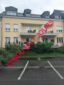 Remax Real Estate Services, spécialiste de l'immobilier au Luxembourg, vous propose en exclusivité , à Bech Kleinmacher, petit village à 5 km de Remich, ce  bel appartement soigné , au calme avec vue sur les vignes et à 2 pas de la Moselle.  Situé dans une petite résidence de 6 unités , vous serez séduit par cet appartement  au 2ème et dernier étage  qui comprend 1 hall d`entrée, 1 cuisine moderne laquée entièrement équipée (10m2) 1 séjour spacieux (27 m2) avec vue sur les  vignes,  2 chambres  (15m2,19m2),  1 salle de bain entièrement carrelée, équipée sèche-serviette, wc suspendu  ( branchement machine à laver et sèche linge) WC séparé avec lavabo, débarras avec prise, cave et garage fermé,  buanderie en commun .  Contact Nancy Capoccia  gsm  621 792 750  Ref agence :5095638