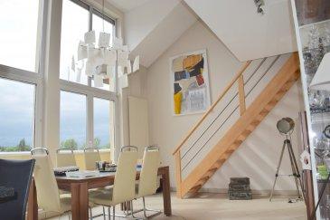 L'agence IMMOLORENA de Pétange a choisi pour vous un magnifique DUPLEX de 94 m2 sis aux deuxième et troisième étages avec ascenseur à RODANGE dans une petite co-propriété de 10 unités, à proximité des commerces, transports en commun et toutes commodités, il se compose comme suit:  Il est composé comme suit;  Premier niveau: - Un hall d'entrée de 4,23 m2  - Un magnifique living de 21 m2 avec cuisine ouverte toute équipée de 6,08 m2 donnant accès à la magnifique terrasse plein sud de 36 m2 - Une chambre de 12 m2 donnant accès également à la terrasse plein sud - Une salle de bain avec baignoire et douche de 4,62 m2 - Un WC séparé de 1,17 m2   Niveau supérieur: - Une magnifique mezzanine 10,48 m2 octroyant une vue sur la très belle pièce à vivre - Un hall de nuit  de 2,50 m2 - Une deuxième chambre de 13 m2 avec un coin de 10 m2 au sol - Une salle de douche d'environ 4,03 m2  L'appartement/ duplex dispose également d'un garage box avec une cave et un emplacement extérieur.   Un barbecue commun vient compléter ce bien.   CARACTERISTIQUES DU DUPLEX: - Double vitrage - Magnifique terrasse plein sud sans vis-à-vis - Belles baies vitrées avec des stores électriques - Garage box fermé  - Emplacement extérieur privatif   A VOIR ABSOLUMENT!!!!  Pour tout contact: Joanna RICKAL: 621 36 56 40 Vitor Pires: 691 761 110 Kevin Dos Santos: 691 318 013  L'agence ImmoLorena est à votre disposition pour toutes vos recherches ainsi que pour vos transactions LOCATIONS ET VENTES au Luxembourg, en France et en Belgique. Nous sommes également ouverts les samedis de 10h à 19h sans interruption.