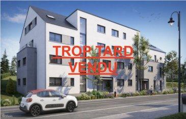 Votre agence IMMO LORENA de Pétange vous propose dans une résidence contemporaine en future construction  située à Pétange, 115, rue des Jardins des Jardins appartement de 72,65 m2 décomposé de la façon suivante:  - Un hall d'entrée de 4,33 m2 - Un double living de 40,10 m2 avec cuisine ouverte donnant accès au balcon de4,93 m2 - Une chambre de 15,62 m2 - Une salle de douche de6,48 m2 - Un débarras de 3,43 m2 - WC séparée de 1,26 m2   - Une cave privative, un emplacement pour lave-linge et sèche-linge au sous sol. Possibilité d'acquérir un emplacement intérieur (25.000,00 €)TTC 3%  Cette résidence de performance énergétique AB construite selon les règles de l'art associe une qualité de haut standing à une construction traditionnelle luxembourgeoise, châssis en PVC triple vitrage, ventilation double flux, chauffage au sol, video - parlophone, etc... Avec des pièces de vie aux beaux volumes et lumineuses grâce à de belles baies.  CARACTERISTIQUES DE LA RESIDENCE:  Immeuble purement résidentiel · Architecture contemporaine · En harmonie avec son environnement naturel · Matériaux durables et détails minimalistes · Finitions très haut de gamme · Chauffage au sol et ventilation contrôlée · Luminosité dans les volumes grâce aux baies vitrées toute hauteur · Terrasses/balcons et/ou jardins privatifs · cave privative . au minimum un emplacement de parking souterrain par appartement . jardin communautaire, remise pour tri des déchets et local vélosCes biens constituent entres autre de par leur situation, un excellent investissement.  Le prix comprend les garanties biennales et décennales et une TVA à 3%. Livraison prévue en 2021.  3% du prix de vente à la charge de la partie venderesse + 17% TVA Pas de frais pour le futur acquéreur  VOIR ABSOLUMENT!  Pour tout contact: Joanna RICKAL: 621 36 56 40 Vitor Pires: 691 761 110 Kevin Dos Santos: 691 318 013  L'agence Immo Lorena est à votre disposition pour toutes vos recherches ainsi que pour vos transactions LOCATIONS ET VENTES au