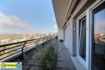 EXCEPTIONNEL PENTHOUSE A QUEULEU F5 !  Vous rêvez d'un penthouse unique sur Queuleu,                                          vous situer au-dessus de la vie urbaine,                                                              de jouir d'une terrasse sans vis-à-vis,  d'avoir une vue d'exception, un panorama allant                                                       du futur hôtel STARCK, au centre POMPIDOU,                                                   jusqu'à la Cathédrale Saint Étienne, un horizon privilégié sur les côtes de Moselle,                                                  un espace rare pour vous et votre famille,                                                      sans nuisances routières.  Nous vous invitons à découvrir sans attendre ce                                           bien unique de 110 m² et sa terrasse panoramique de 30 m².  Espace salon séjour, cuisine, avec accès direct à la terrasse.  Idéalement situé à proximité du parc de Seille, de la gare SNCF,                                         des écoles, des transports en commun, des services, banques, poste,  des commerces et du centre Muse, de Pompidou et des Arènes..  A découvrir sans attendre  L'appartement familial idéal de par sa situation,                                                  sa fonctionnalité et ses volumes.  Au dernier étage, traversant, terrasse et pièces à vivres                           orienté sud, sud-ouest.  L'espace nuit est coté nord sans vis-à-vis, sans circulation                   routière donnant sur un espace paysager.  Tous les avantages d'une maison individuelle,                                                 sans aucun inconvénient.  Vous disposerez coté jour d'un accueil avec dressing,                               desservant l'appartement,un salon séjour et une cuisine équipé indépendante avec double accès.  Un espace de 56 m² magnifié par les grandes                                                     baies vitrées ouvrant directement sur la t